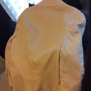 Escada Jackets & Coats - Escada Ivory Stretch Blazer